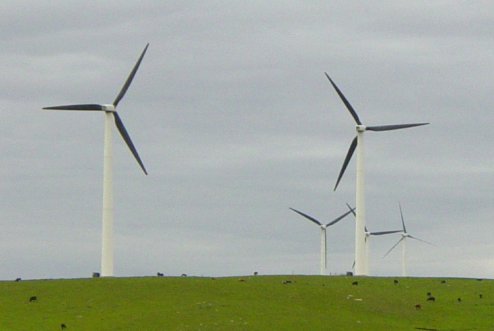 Wind turbines along the Buffalo Ridge in rural southwest Minnesota (2004)
